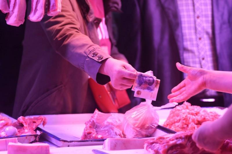 肉不夠吃...中國10月豬肉進口翻倍 雞、牛增逾50%