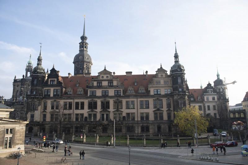 歐洲最大珍寶館爆大型竊案!價值340億珠寶失竊