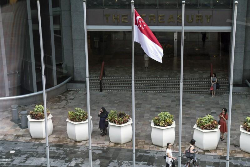 錢進新加坡?星國正缺人才 明年薪資將漲逾3%