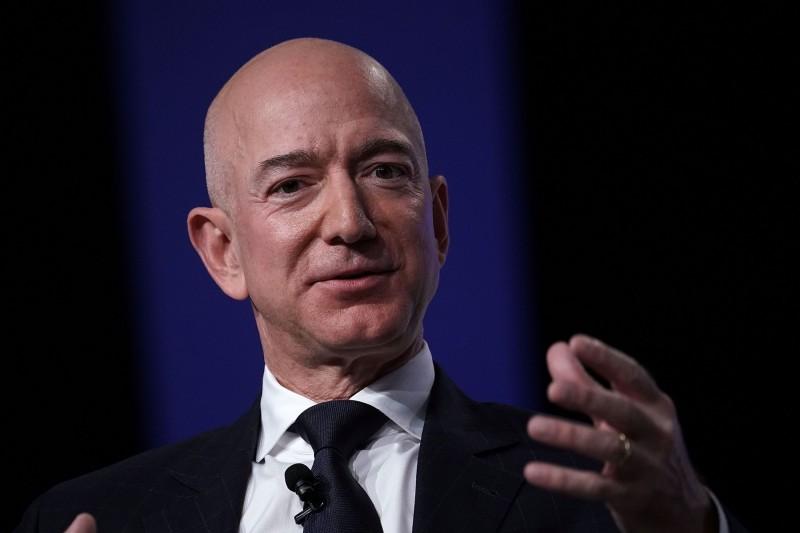 10年來最佳商業人物出爐 全球財務長選貝佐斯