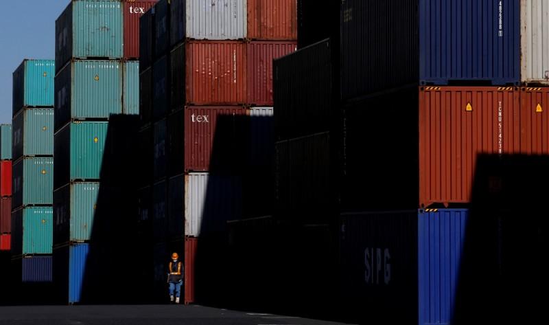 對美、中貿易疲軟 日本出口連14個月下滑