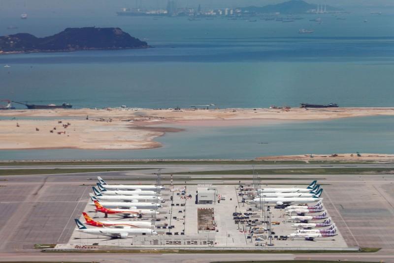 香港航空業陷困境!分析:國泰航空恐需裁員千人
