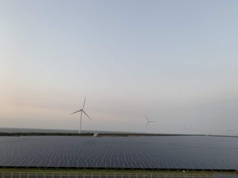 大案場助攻 台電太陽光電成本砍40%