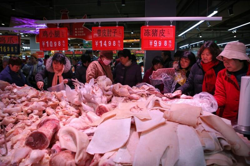 中國搶買全球豬肉 11月進口量創2016年以來新高