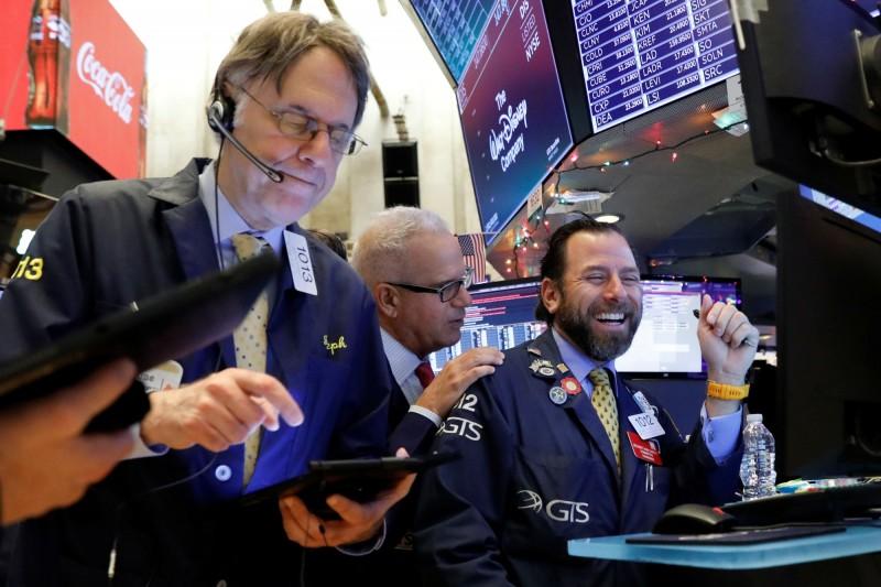投資人「自己玩」?美銀:ETF投資11年來首次輸給個股