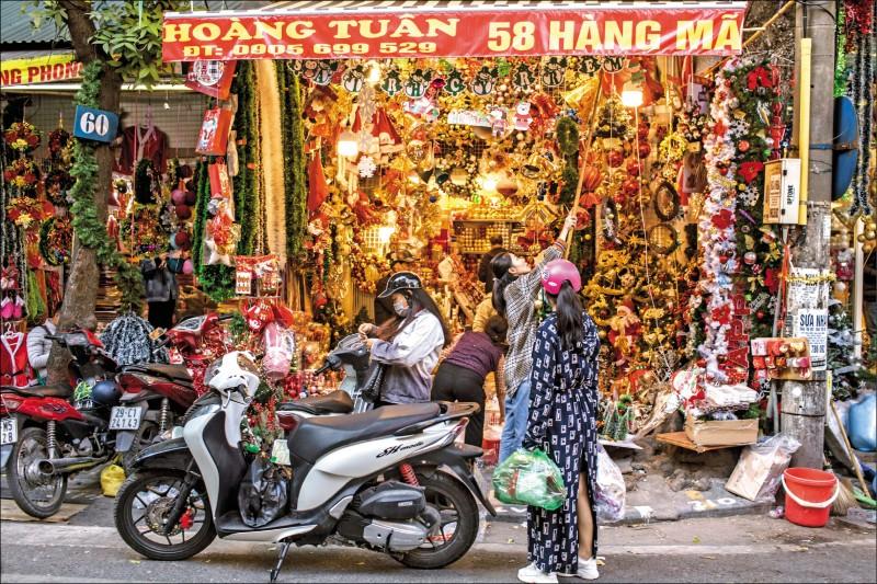 中貨洗產地 越銷美耶誕燈飾暴增