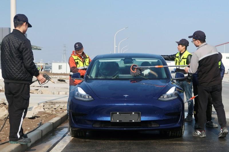 特斯拉中製Model 3打9折!中國買家下週就可拿車
