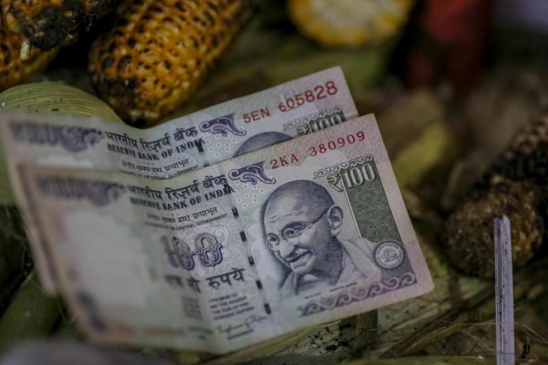 最強亞幣今年換人?經濟學家預測印度盧比勝出