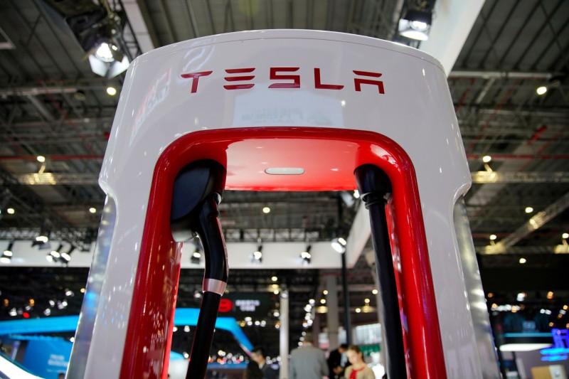 確保電動車市場優勢!傳特斯拉與嘉能可洽談「鈷」長期供應合同