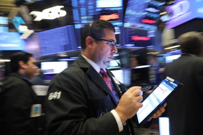 經濟數據強勁 美股3大指數再創新高