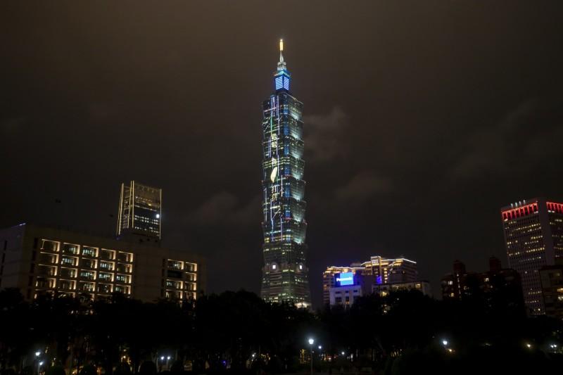 電電為台灣打拼!台電30秒暖心宣傳登101外牆