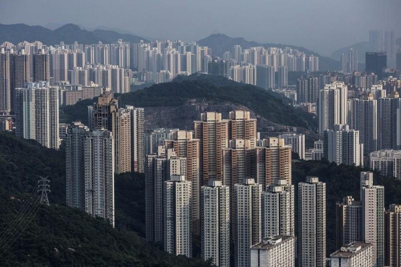 須不吃不喝20.8年才買得起!香港連10年登房價「最難負擔」榜首