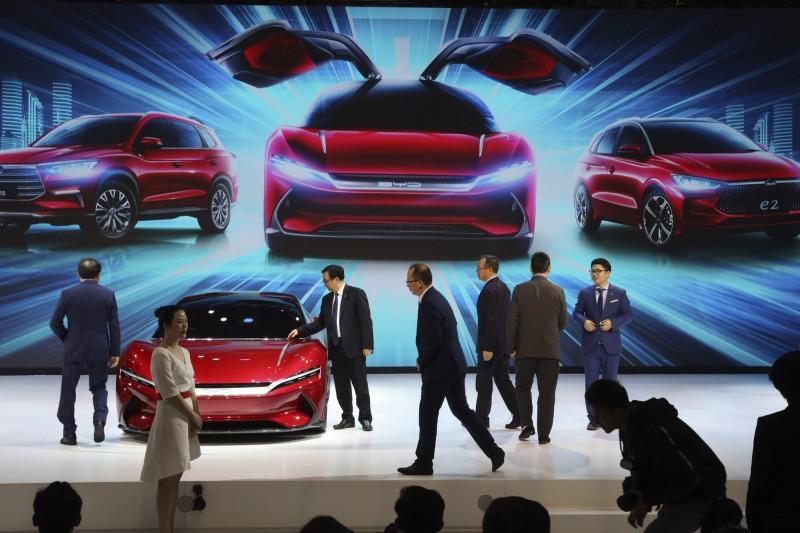 中國新能源車補貼可能延後退場!特斯拉、蔚來大漲
