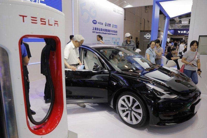 中國電動車電池龍頭寧德時代 宣佈與特斯拉簽署電池供應協議