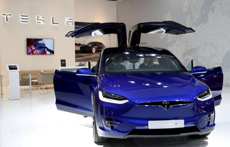 動力轉向系統恐失效!特斯拉召回北美1.5萬輛Model X