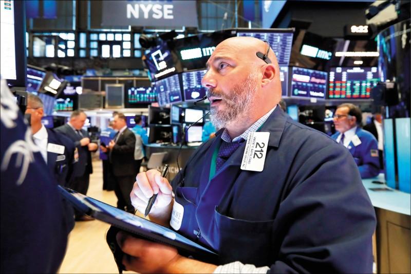 武漢肺炎》景氣疑慮重創美股 市場估Fed四月降息