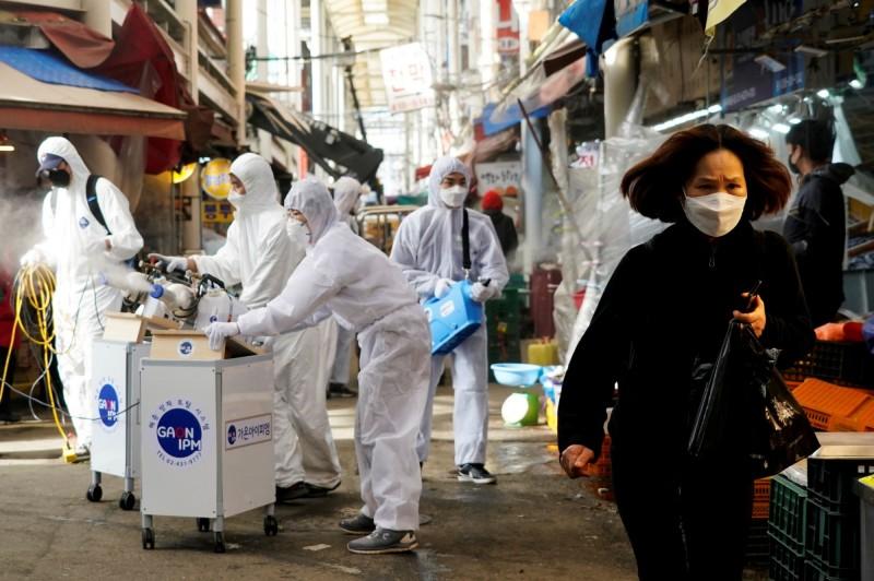 武漢肺炎》未達感染高峰!小摩:南韓最多恐上萬人感染