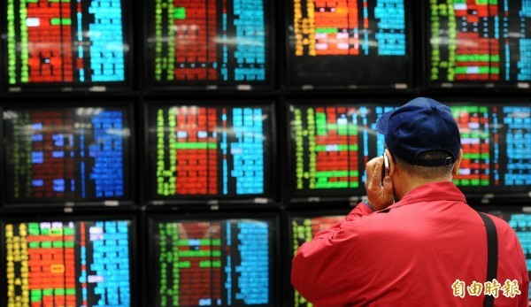 美股昨大跌千點台股卻小漲 謝金河:憑藉高殖利率