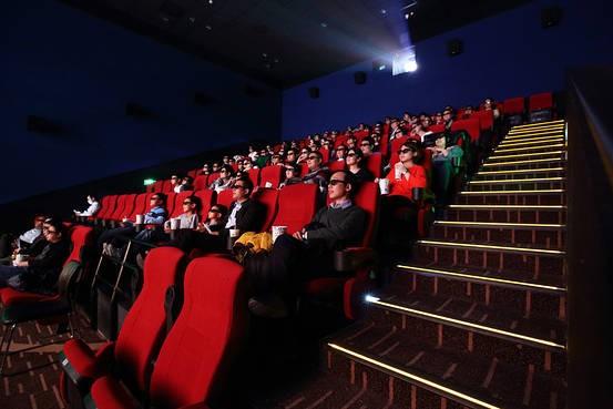 中國電影市場停擺1個月 電影院復工須隔排隔座、實名制售票