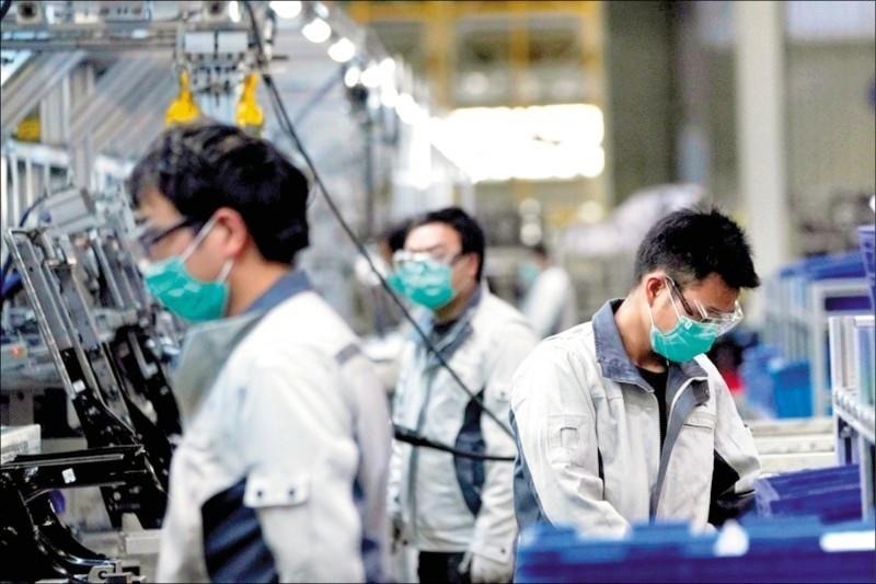 疫情衝擊、景氣復甦受挫 投顧:科技業衝擊大