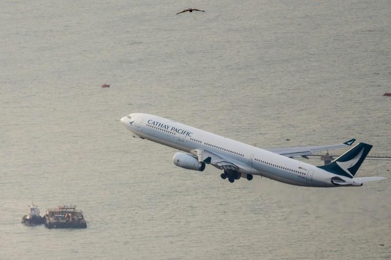 香港國泰航空去年少賺近28%!預告上半年將出現重大虧損