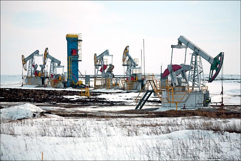 沙俄角力油價崩 美恐祭關稅武器