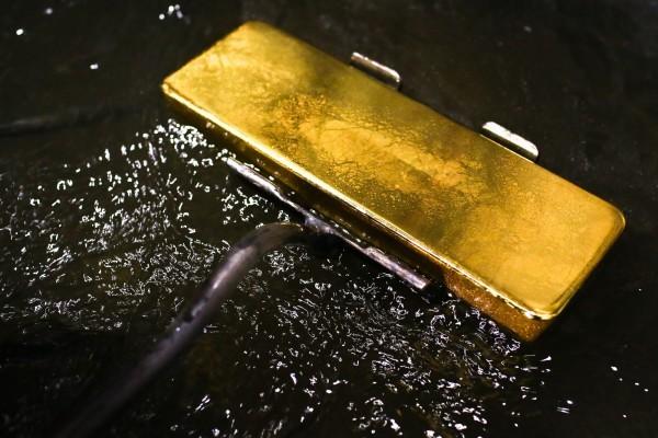 黃金典當、黃金換現金黃金週五暴跌4.6%!本週跌幅創8年來最大