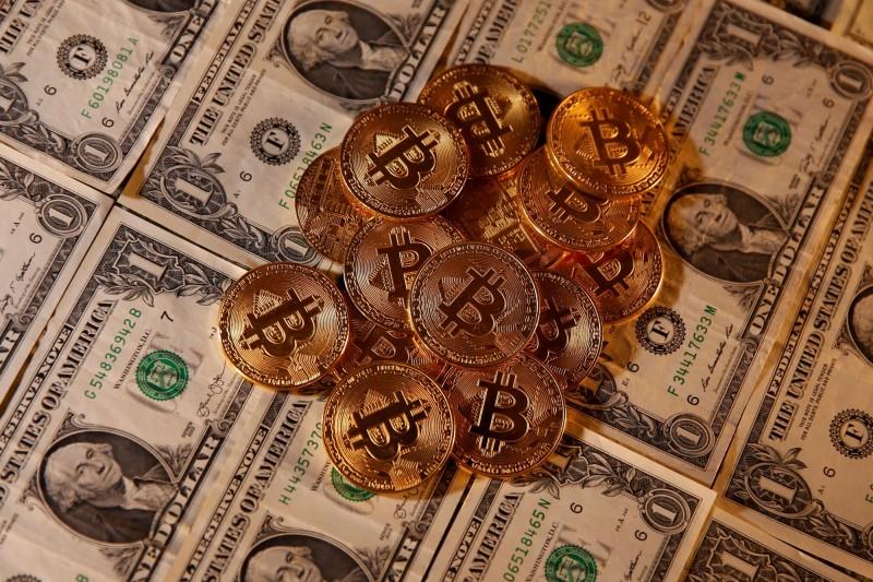 加密貨幣市值24小時大漲逾7千億  比特幣匯價跳升近16%
