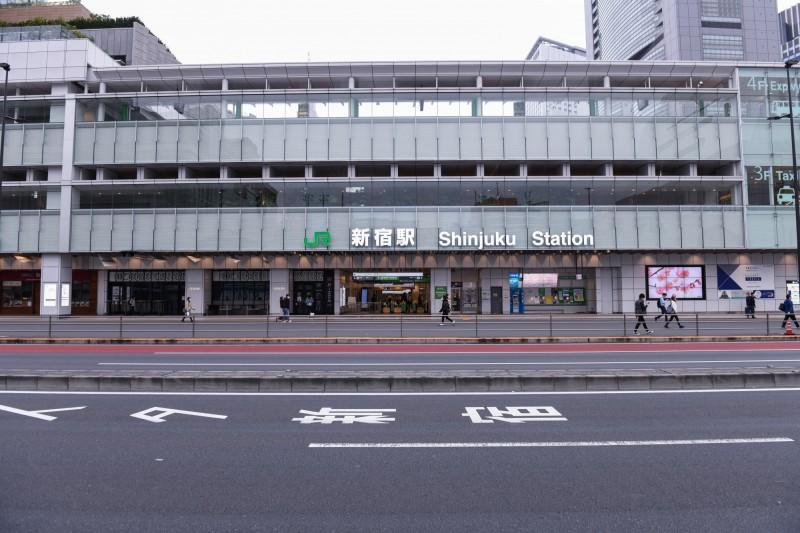 東京圈避免出門令首個週末 鐵路旅客暴跌7成