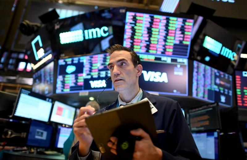 股市崩盤引發散戶興趣 「如何買股票」成 Google熱搜關鍵字