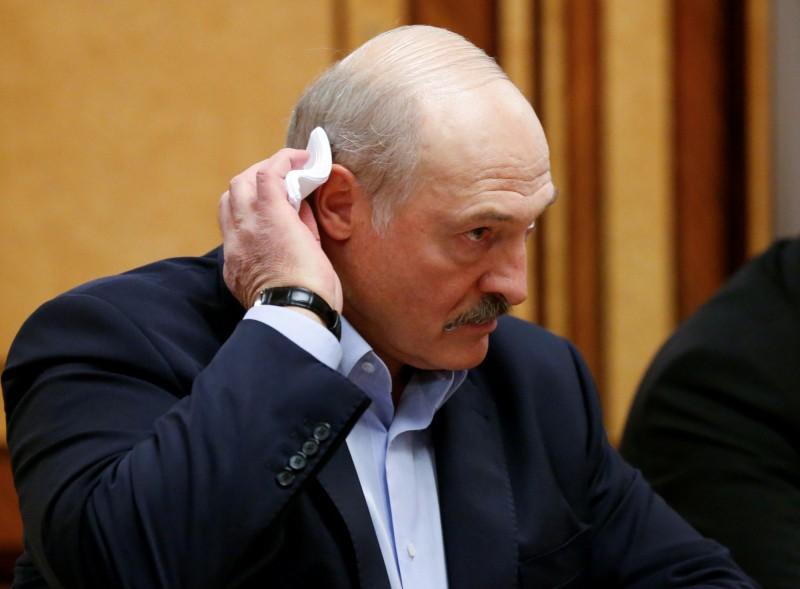 白俄羅斯鼓勵喝伏特加、洗三溫暖防疫 經濟學人:完全是門外漢