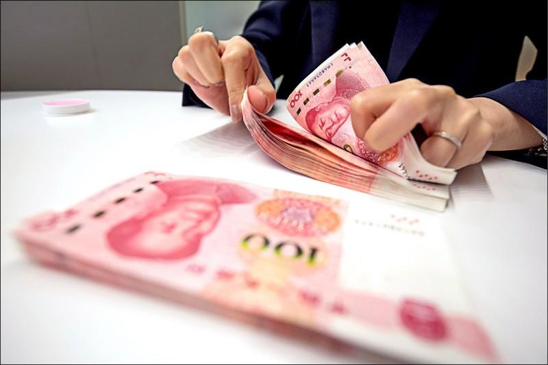 〈財經週報-本週熱點〉國銀人民幣存款 恐連3降
