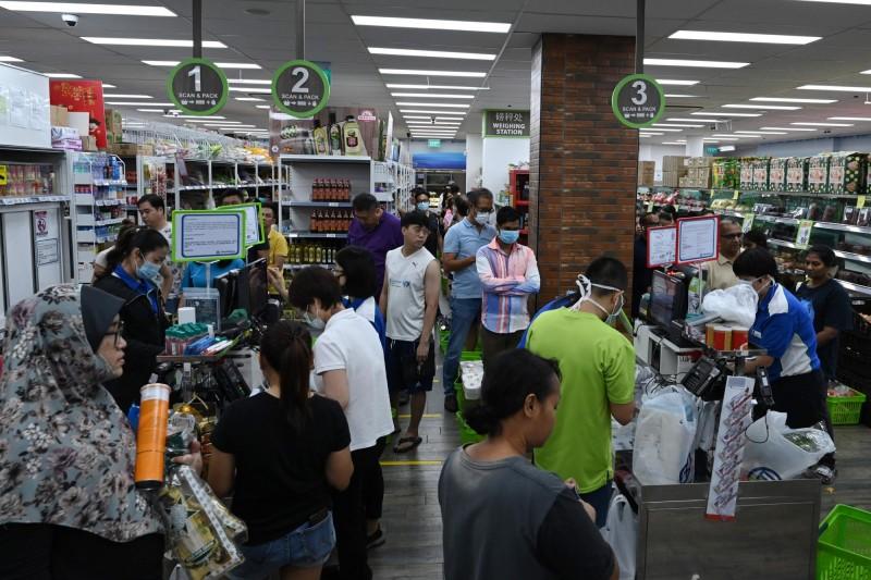 疫情推升搶貨需求 新加坡超市大亨財富暴增