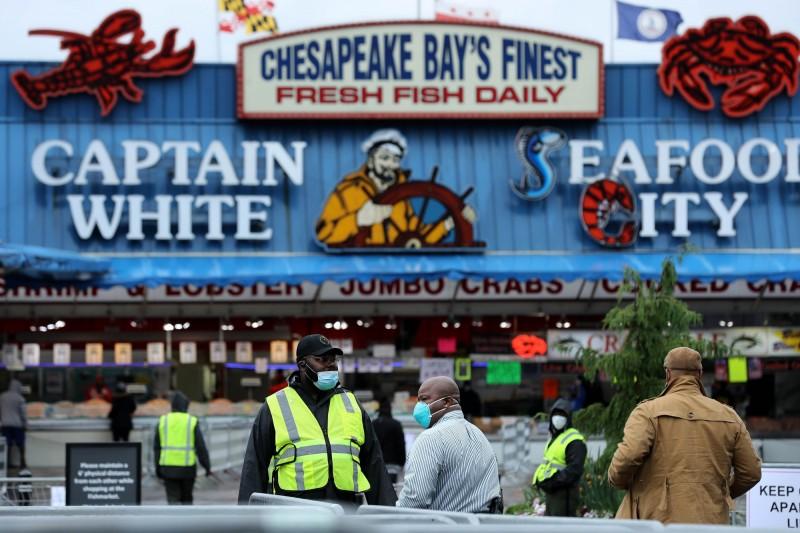 武漢肺炎》餐館、飯店停業 全球數千億美元海鮮產業搖搖欲墜