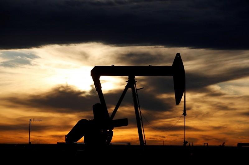 跌破18美元!國際油價暴跌12% 續刷18年來新低
