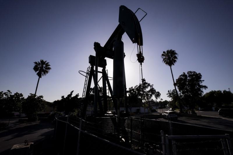 波動劇烈!紐約期油暴漲20%後轉跌、布蘭特挫逾12%