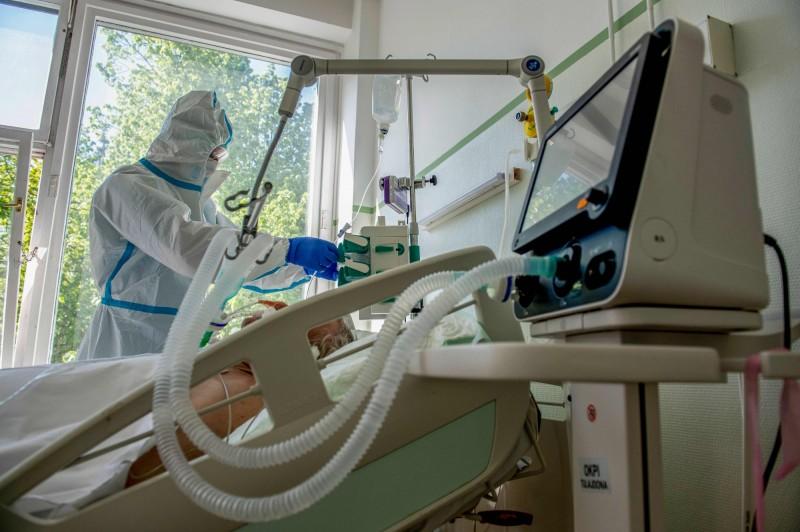 全球搶購呼吸器!新加坡首富身價每月暴增300億