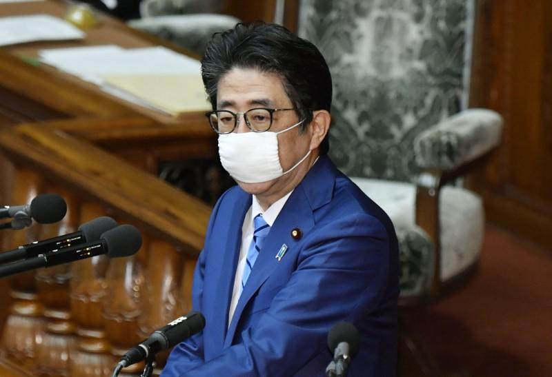 對抗疫情衝擊 日本今提規模25.6兆日元的補充預算案