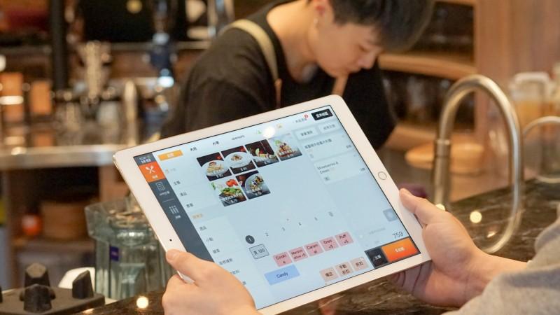 共體食艱!「肚肚」贊助1000台iPad給餐飲店家