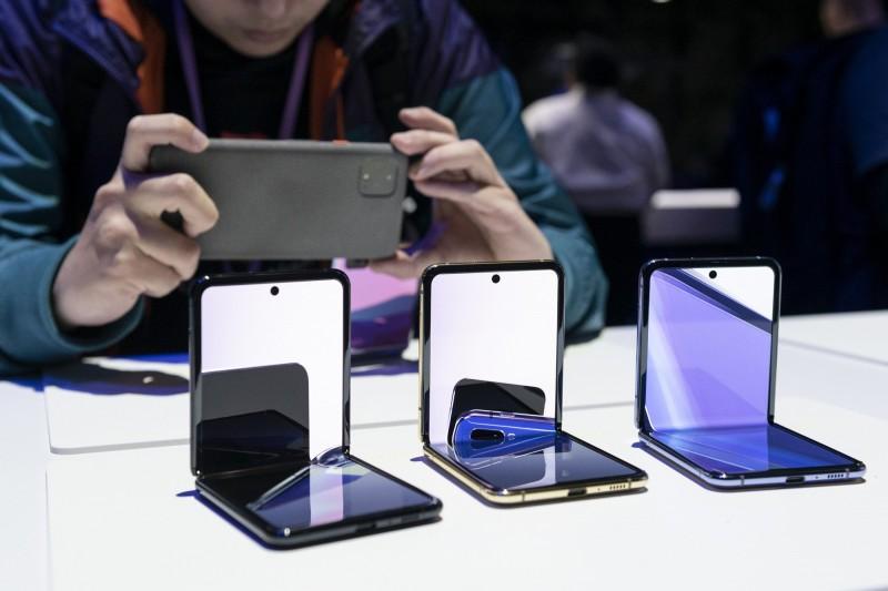 Q1全球手機出貨量驟減13% 6年來首次低於3億支