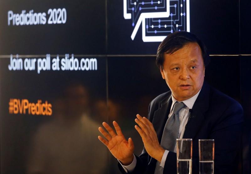 港交所李小加:香港金融中心地位不會受影響