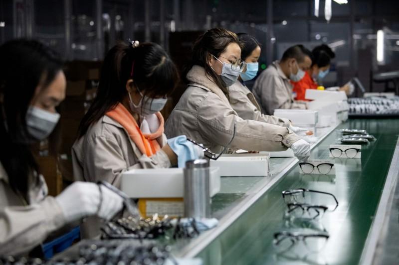 中國出口商因疫情轉內銷  業者透「非長期解方」