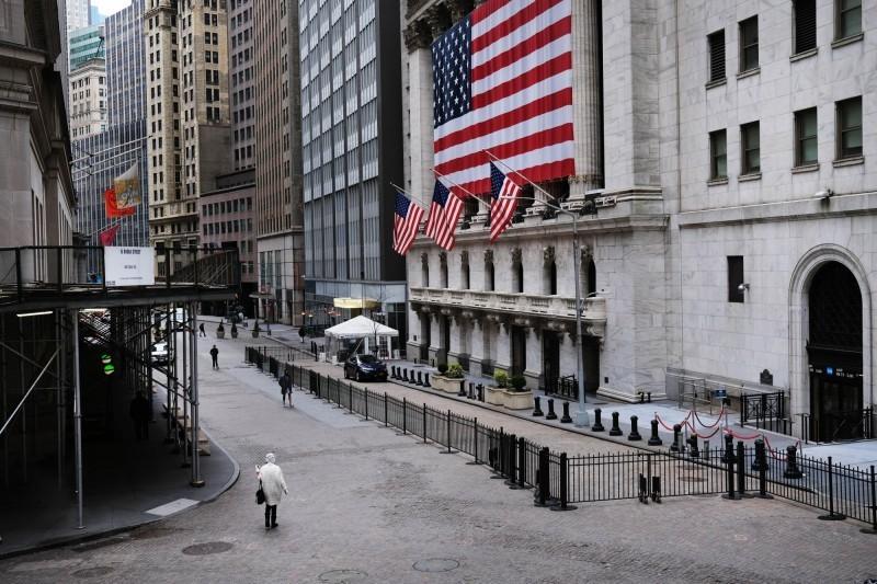 疫情重擊美國銀行業!首季利潤暴減近7成