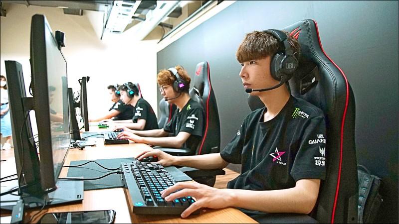 中國信託贊助英雄聯盟PCS聯賽
