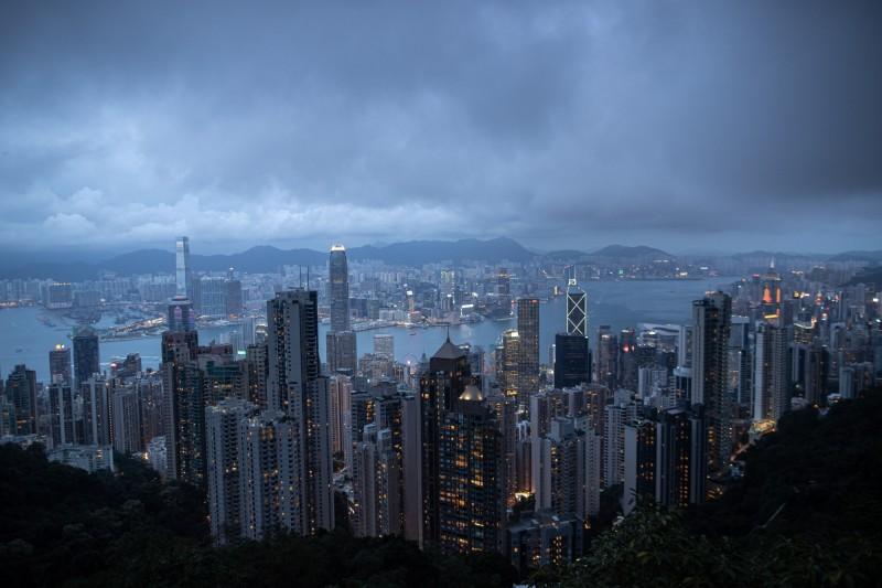 不只政治控制!彭博點出中資觸角深入香港金融