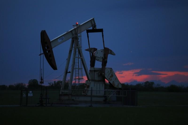 國際油價下跌 但紐約期油Q2漲幅逾90%