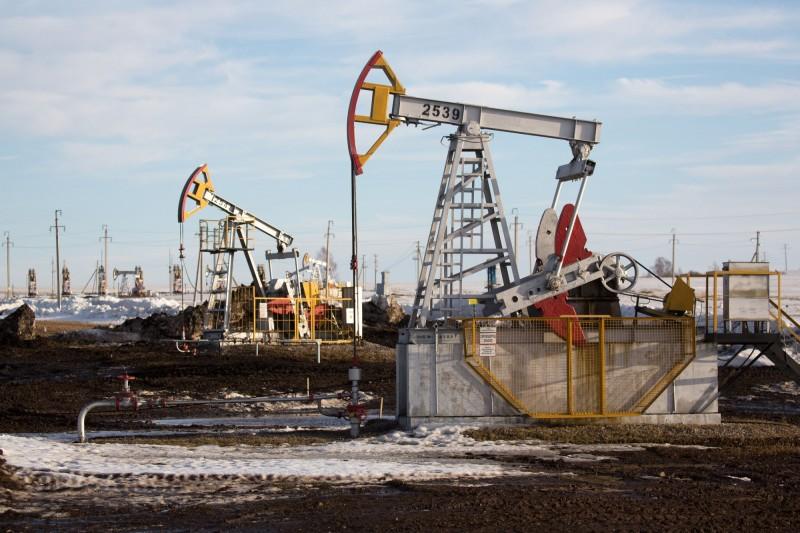 美庫存意外增加、美中升溫 國際油價小幅下跌