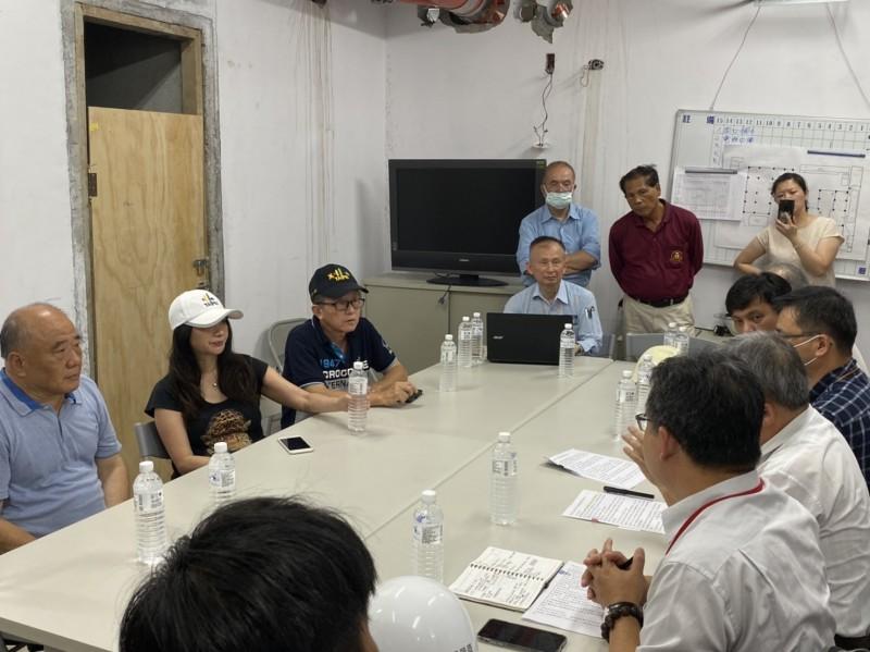 萬華青年社宅二期營造商跳票 數百工人領不到薪水