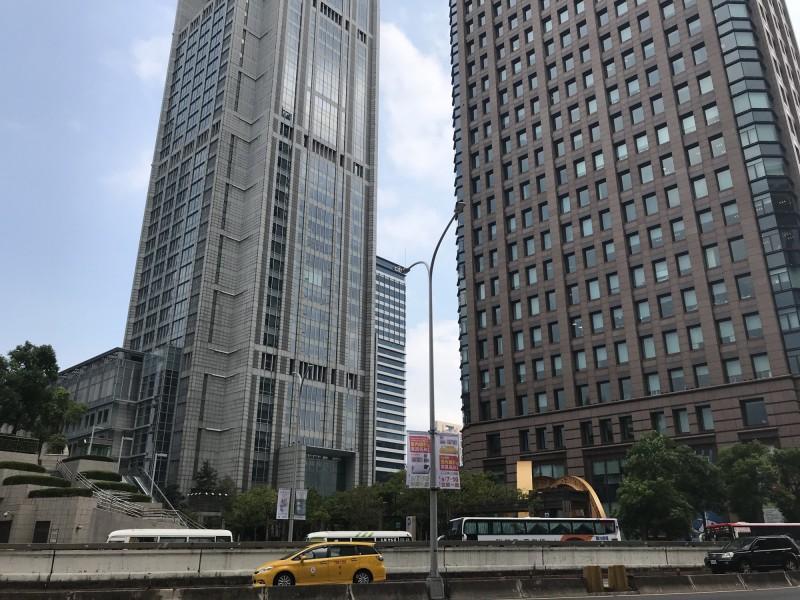單價創新高!統一國際大樓16樓 每坪近180萬成交