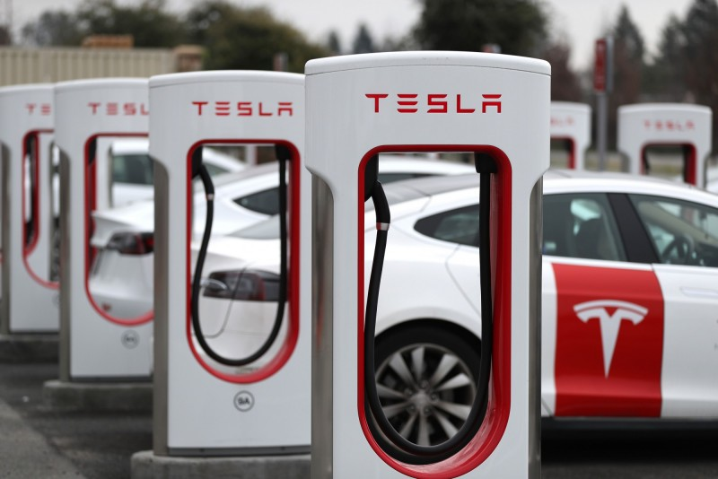 買特斯拉就好!克萊默:其他電動車泡沫要破了
